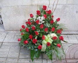 Centro de Rosas rojas decorativo