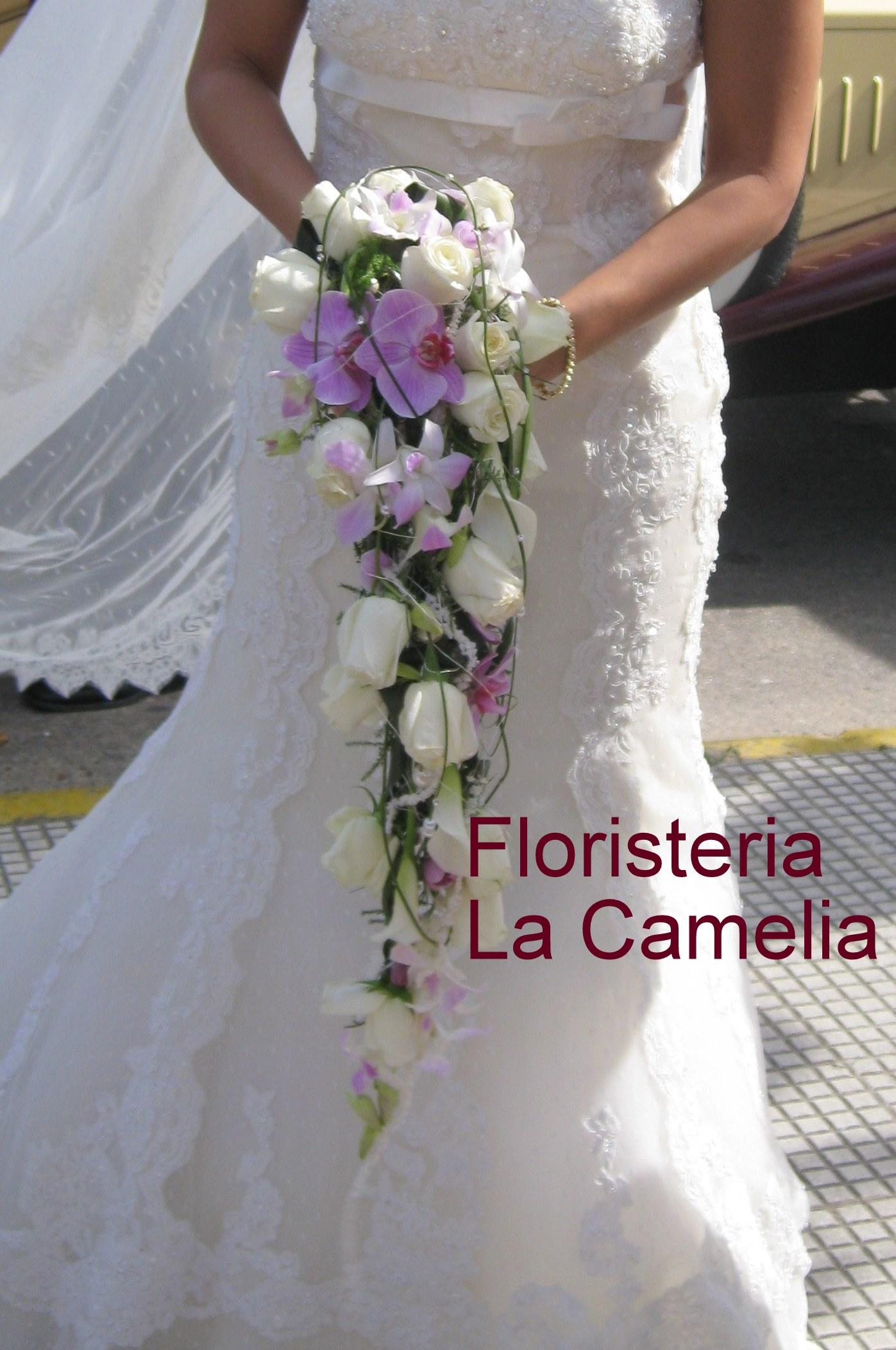 Ramo De Novia De Rosas Y Orquideas Floristeria La Camelia ~ Ramos De Novia Flores Preservadas